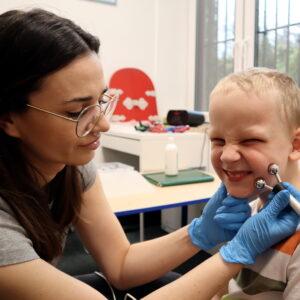 logopeda elektrostymulacja terapia autyzm terapeutyczne przedszkole